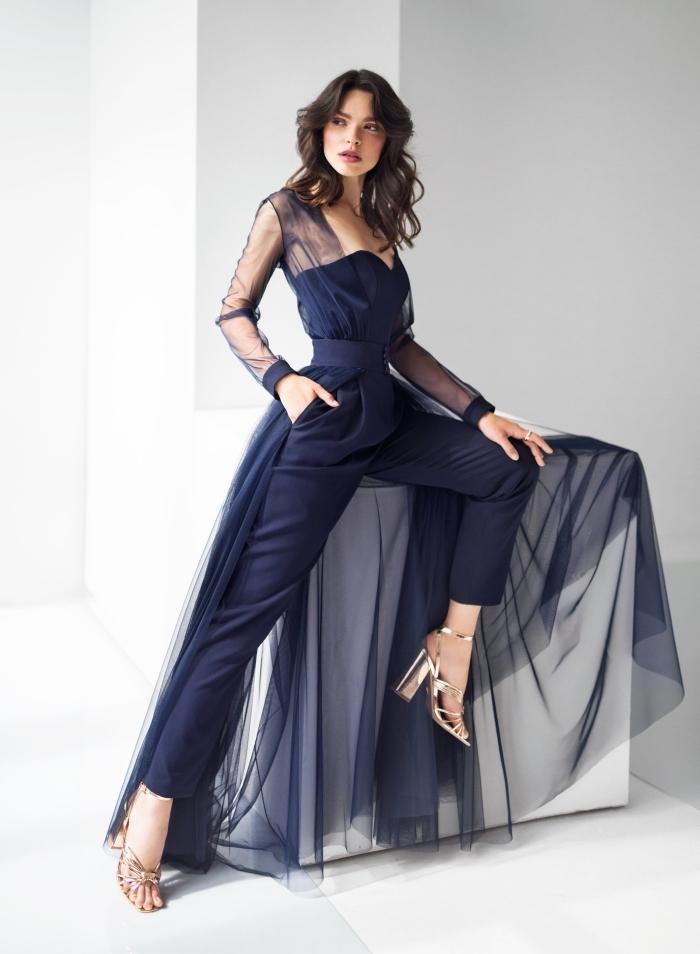 jumpsuit hochzeit, hochzeitsgast outfit damen, dunkelblaue hemdhose mit rock und ärmeln aus tüll