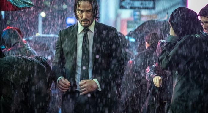 John Wick Drei, eine Szene im Regen mit Keanu Reeves, neuer spannender Film