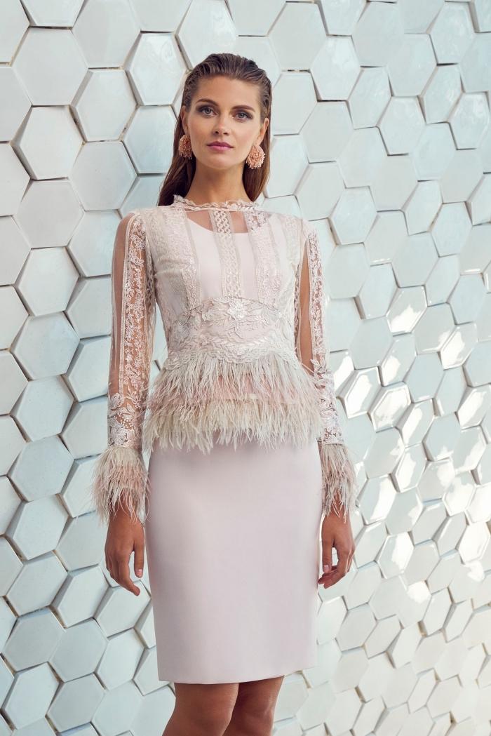 kleider für hochzeit als gast, gerader rock, bluse mit fransen, große ohrringe, elegantes kleid