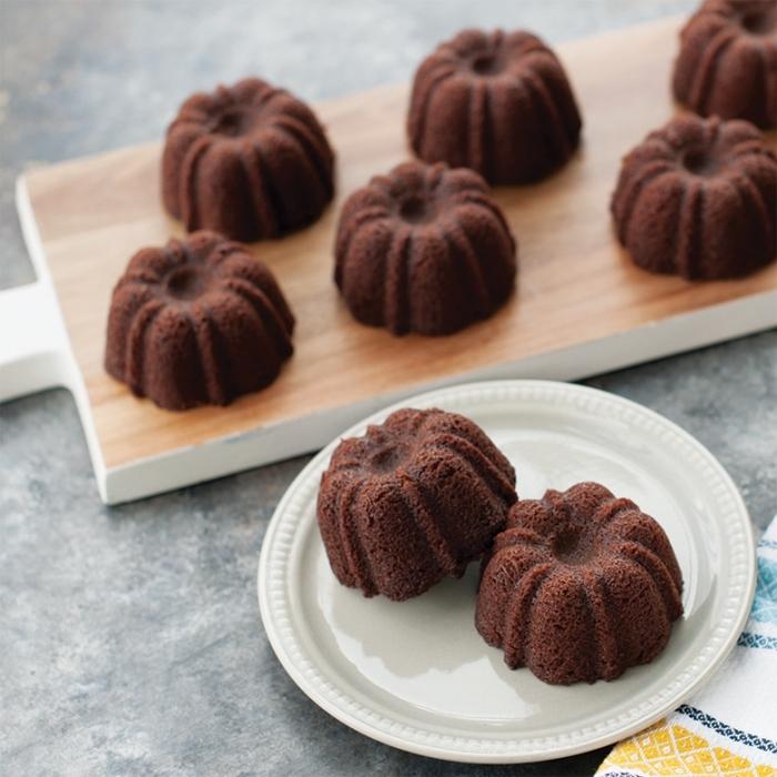 mini kuchen mit schokolade, kuchen glutenfrei baken, partyrezepte einfach und schnell, kleine schokokuchen
