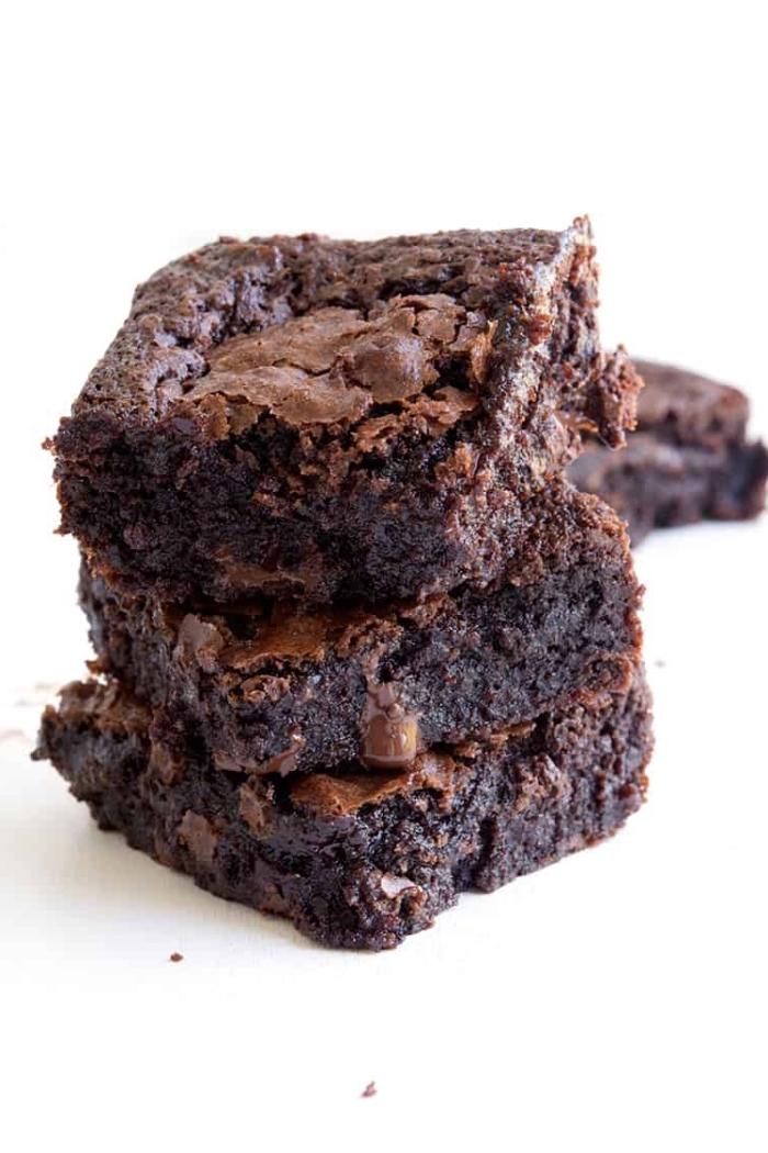 brownies ohne gluten, kuchen glutenfrei vegan, schokokuchen rezepte, dessert mit schokolade