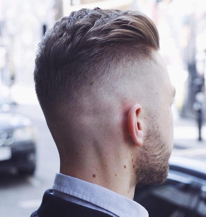 männerfrisuren 2019 kurz, bild von hinten, damit man die frisur gut anschauen kann