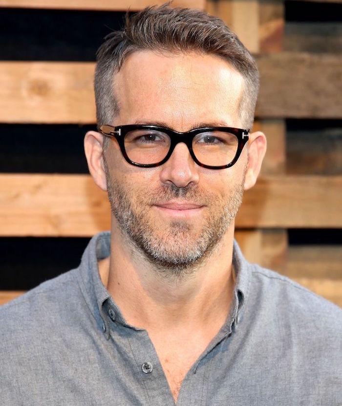männerfrisuren 2019 kurz, idee für cooler stil von ryan gosling, mann mit brillen
