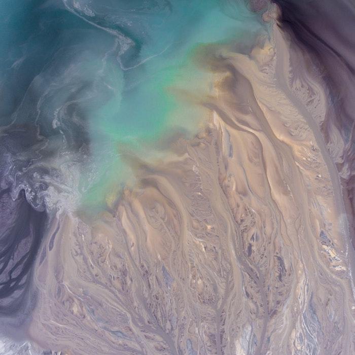 tumbl bilder mädchen, foto von der erde von oben gesehen, wasser und boden