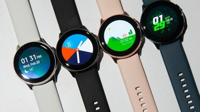 die verschiedene Modelle von Zifferblatt in bunter Farbe und bunte Bänder in rosa, schwarz und weiß, Galaxy Watch