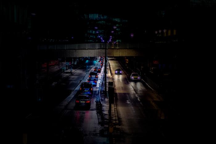 pinterest hintegründe, schönes bild von einer stadt, viele autos auf der autobahn