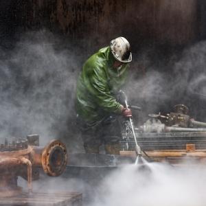 Die professionelle Industriereinigung führt zu reibungslosen Produktionsabläufen