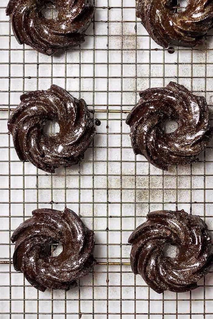 vegane glutenfreie rezepte, kekse mit schokolade, schokokekse mit kakao, arm an zucker