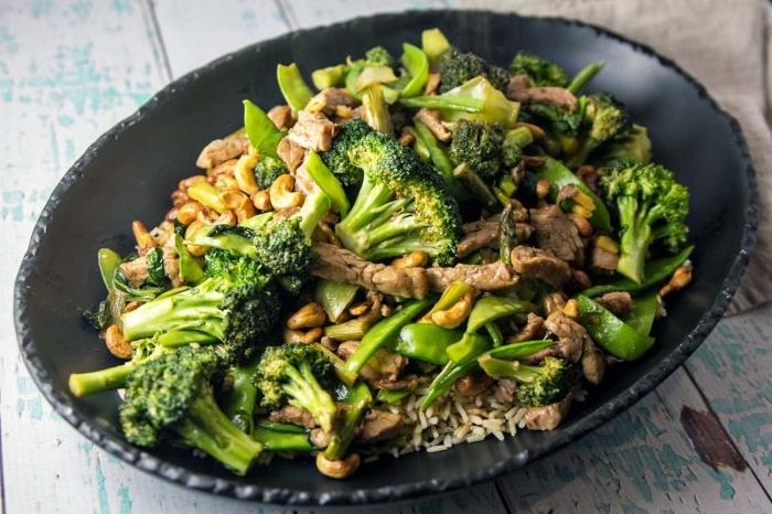 einfache low carb rezepte, abendessen zum abnehmen, hleisch mit brokkoli und reis, kohlenhydratarm