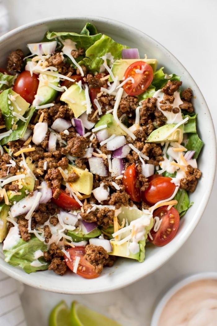 gericht mit hackfleisch und gemüsen, abendessen zum abnehmen, low carb essen schnell und einfach