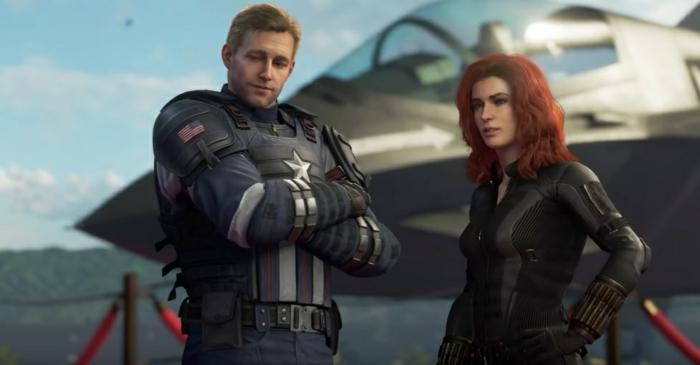 zwei Helden, Captain America und Black Widow vor dem Schiff von Avengers in dem Spiel