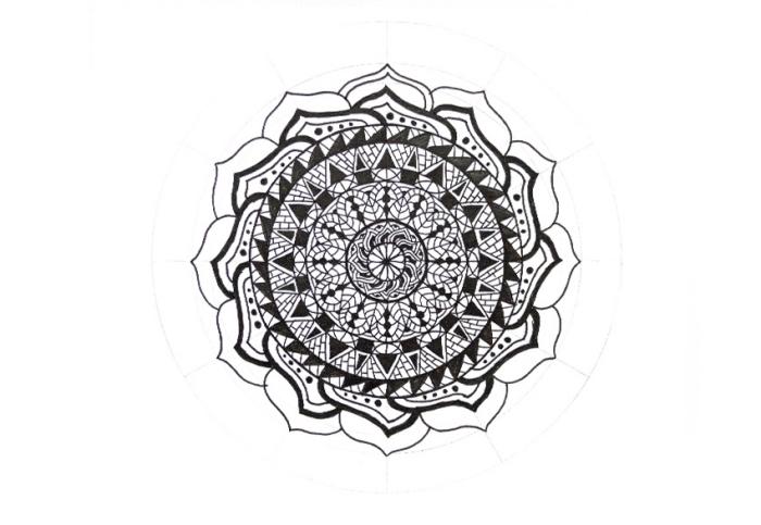 mandala malen ideen, große dettailierte mandala, symbol, bilder zum nachzeichnen, geometrische motive