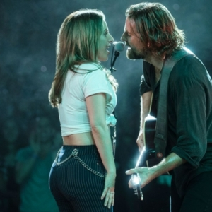 Entwickelt sich eine Liebesgeschichte zwischen Lady Gaga und Bradley Cooper?