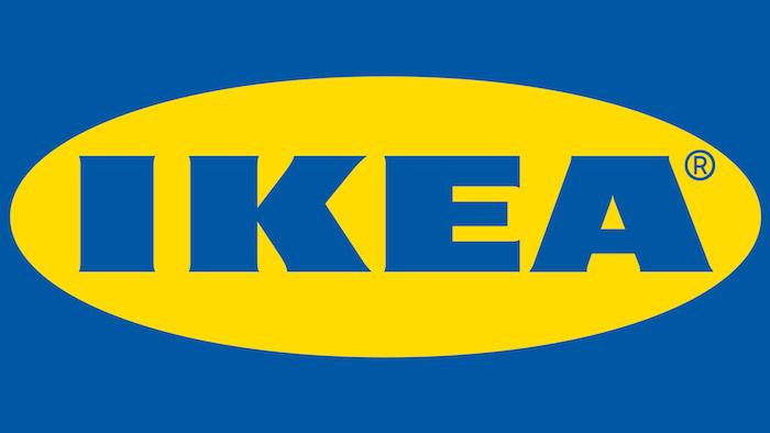 großer logo des unternehmens namens ikea mit großen blauen buchstaben