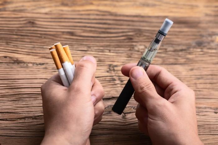 E-Zigaretten und normale Zigaretten, sind sie gleich gesundheitsschädlich