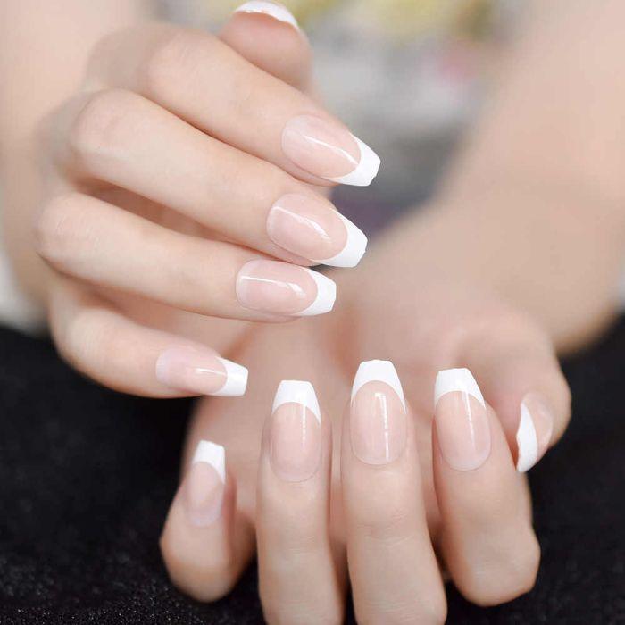 nagelformen trends, french nails maniküre mittellang in moderner form