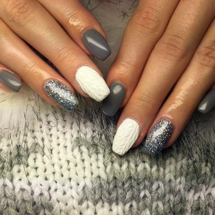 nägel formen und trends 2019, grau weiße maniküre mit glitter und 3d effekte