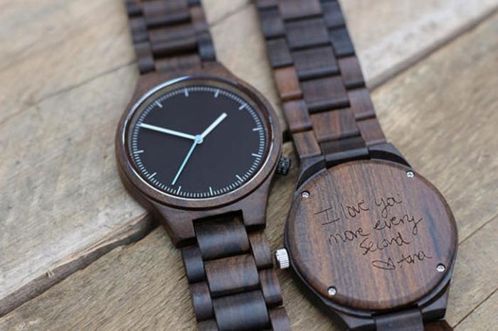 geburtstaggeschenke für männer, armbanduhr in holzoptik, uhr mit gravur, was schenke ich meinem freund