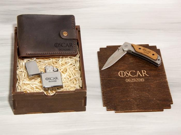 geschenke für männer die alles haben, metallenes feuerzeug und messer, geldbeutel aus braunem leder