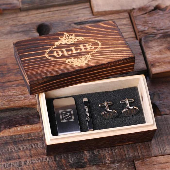geschenke für männer ideen, elegante holzbox, silberne manschetten, was kann ich meinem freund schenken