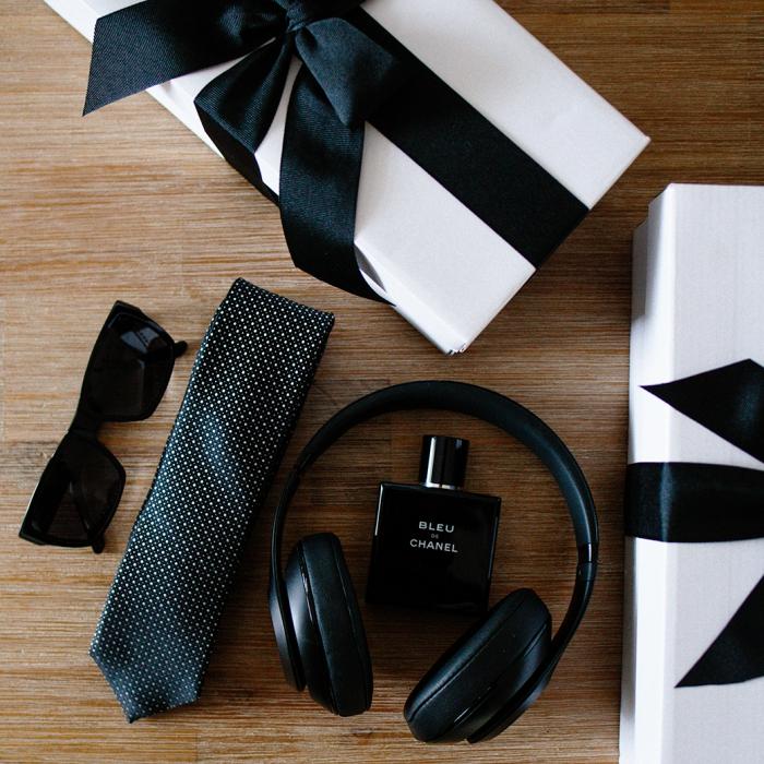 geschenkset für mann, schwarzer kopfhörer, sonnenbrille parfüm und krawatte, geschenke für männer zum geburtstag