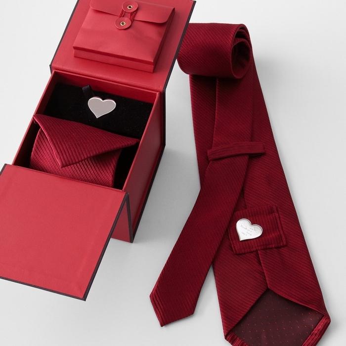 geschenke für männer zum geburtstag, was kann ich meinem freund, rote krawatte mit herz