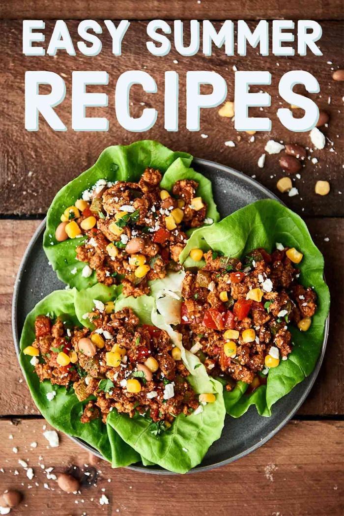 leichte sommergerichte, schnelle rezepte für den sommer, low carb tacos aus salatblätter, hackfleisch