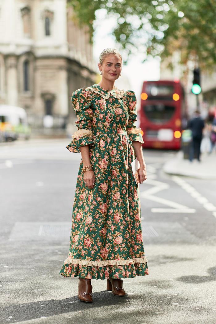 Modetrends 2019 für Damen, langes Kleid, Blumenmuster auf grünem Grund, mit langen Ärmeln