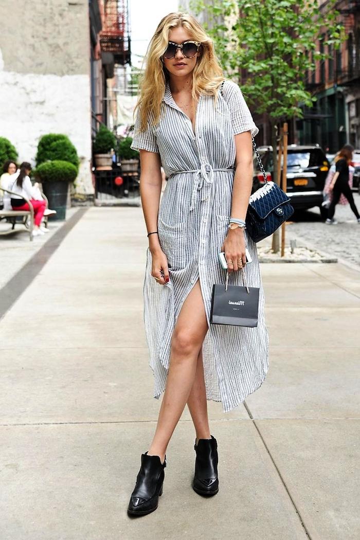 Sommer Outfit für den Alltag, gestreiftes langes Kleid mit Schlitz, Gigi Hadid
