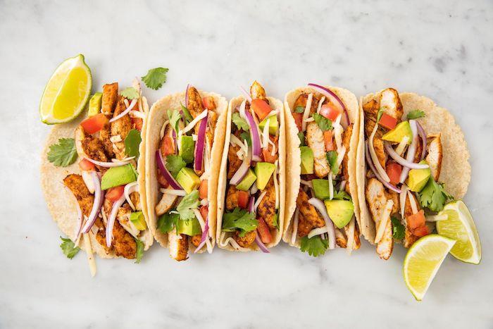Tacos mit Hühnerfleisch und Frischgemüse, Ideen für leckeres Party Essen, Fingerfood für Party