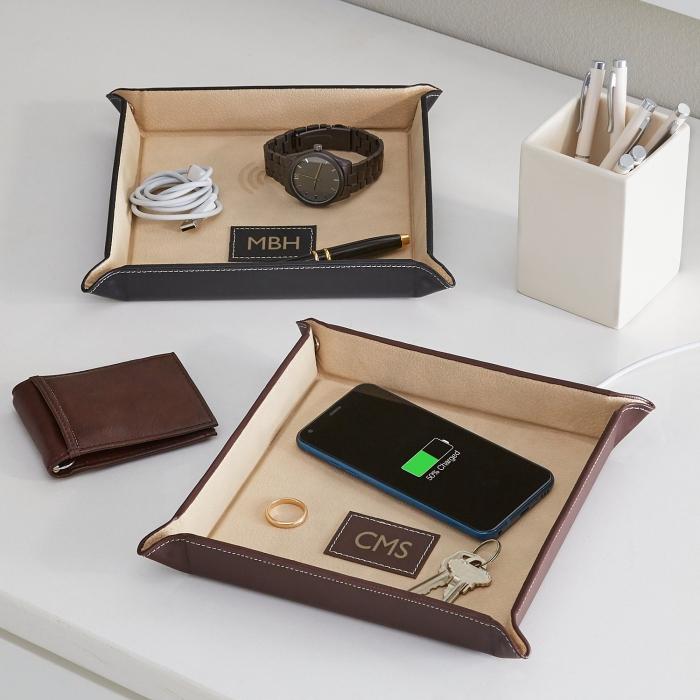 perslönliches geschenk für fraund, ledergestell für accessoires, geldbeutel aus braunem leder