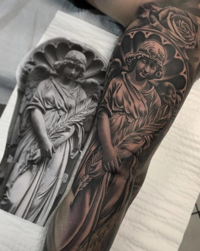 realistic tattoo am arm, große detaillierte 3d tätowierung mit religiösem motiv am unterarm