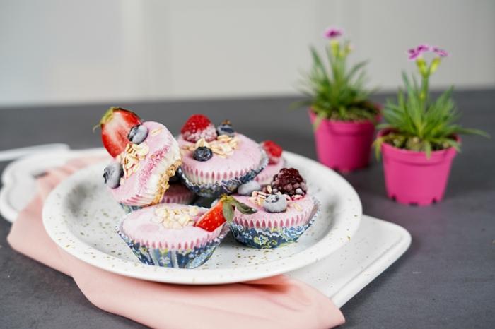 schnelle fingerfood rezepe einfaches sommerdessert frozen skyr cupcakes selber machen