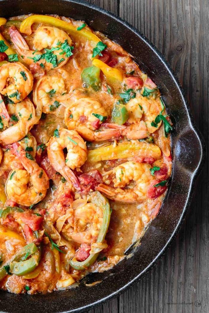 schnelle gerichte für jeden tag, maritime rezepte mit garnelen, gelbem paprika, tomaten