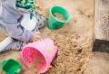 Wie soll ich einen Spielplatz für Kinder im Garten gestalten?
