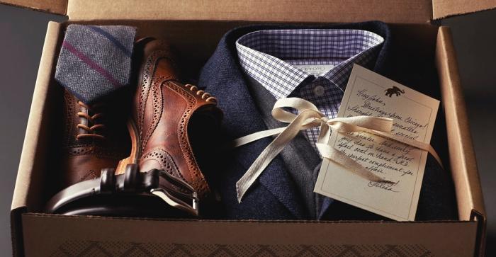 weihanchtsgeschenke für männer, was kann ich meinem freund schenken, geschenkset für herren, lederschuhe, kariertes hemd