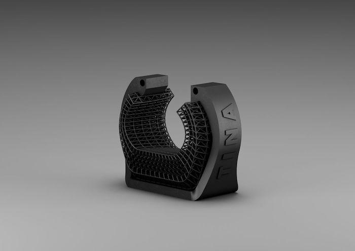 ein schwarzes großes armband für gamer, das Uppkoppla projekt von ikea, ein Uppkoppla aus dem 3d drucker