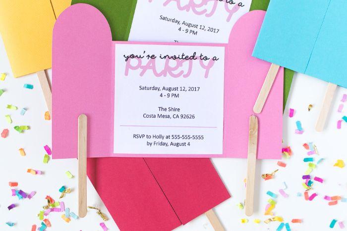 einladungskarten gestalten, karte rosa blau, bunten farben gestalten, einladung lustig machen