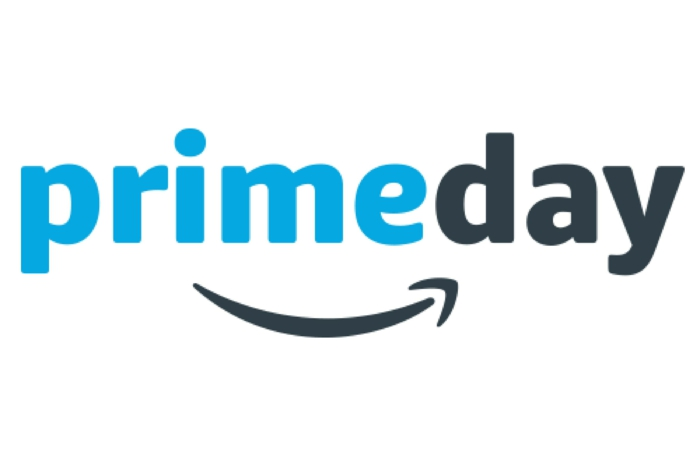 Amazon Prime Day, ein Logo mit blauen und schwarzen Buchstaben auf weißen Hintergrund