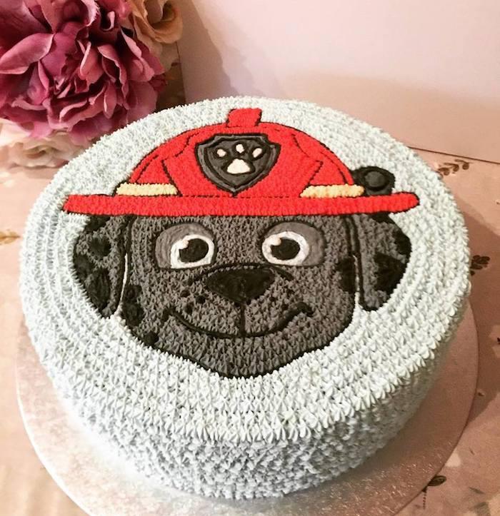 Paw Patrol Geburtstagstorte selber backen und dekorieren, Torte mit Chase für Kindergeburtstag
