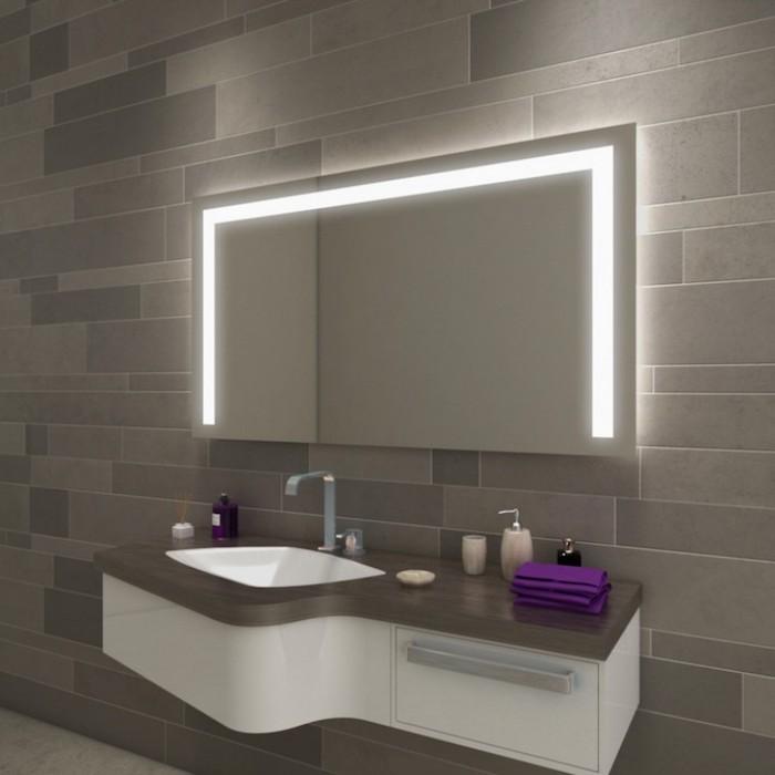 Mit der richtigen Beleuchtung wird der Badspiegel zu einem echten Hingucker!