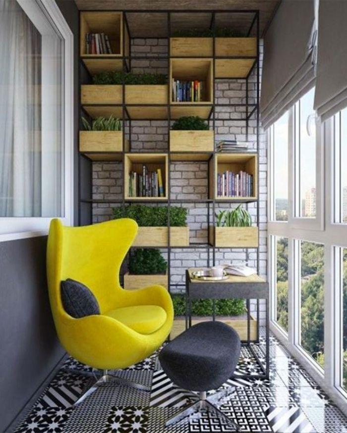balkon ideen für eine moderne gestaltung, grün und gelb neonfarbener sessel, wand