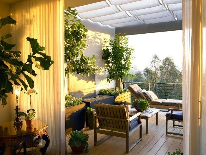 balkon gestalten, eine schöne idee von innen der wohnung aufgenommen, pflanzen und deko
