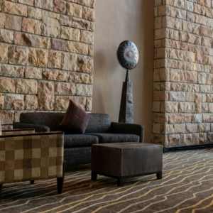 Bodenbeläge im Überblick - Steinteppich, Laminat, Parkett und Fliesen