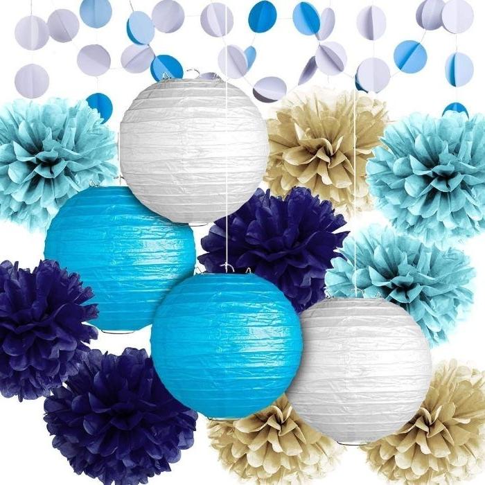 gastgeschenke kommunion, dekorationen zum selbermachen, deko lampen und pompoms, blau und weiß dekorieren