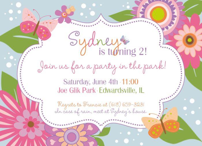 einladungskarten erstellen, einladung zum zweiten geburtstag, mama und papa machen die karte und teilen sie aus