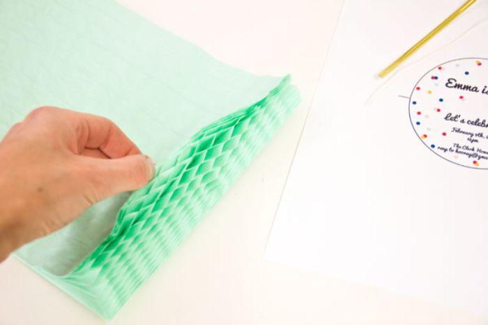 einladungskarten zum geburtstag, papier mit verschiedenen schichten grün idee