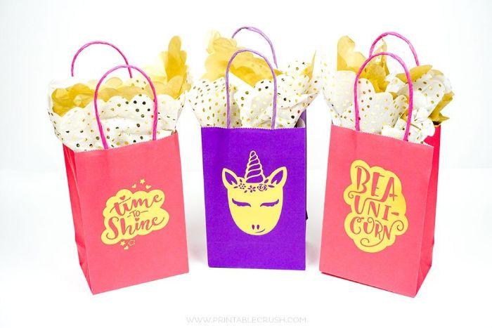 einladungskarten geburtstag, diy papier tüten mit einhörner, lila und pink, time to shine