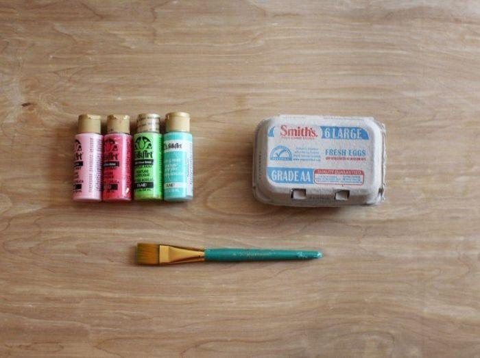 einladungskarten gestalten, eierschachteln bunt bemalen deko ideen, farbstoff, bunte stifte und deko
