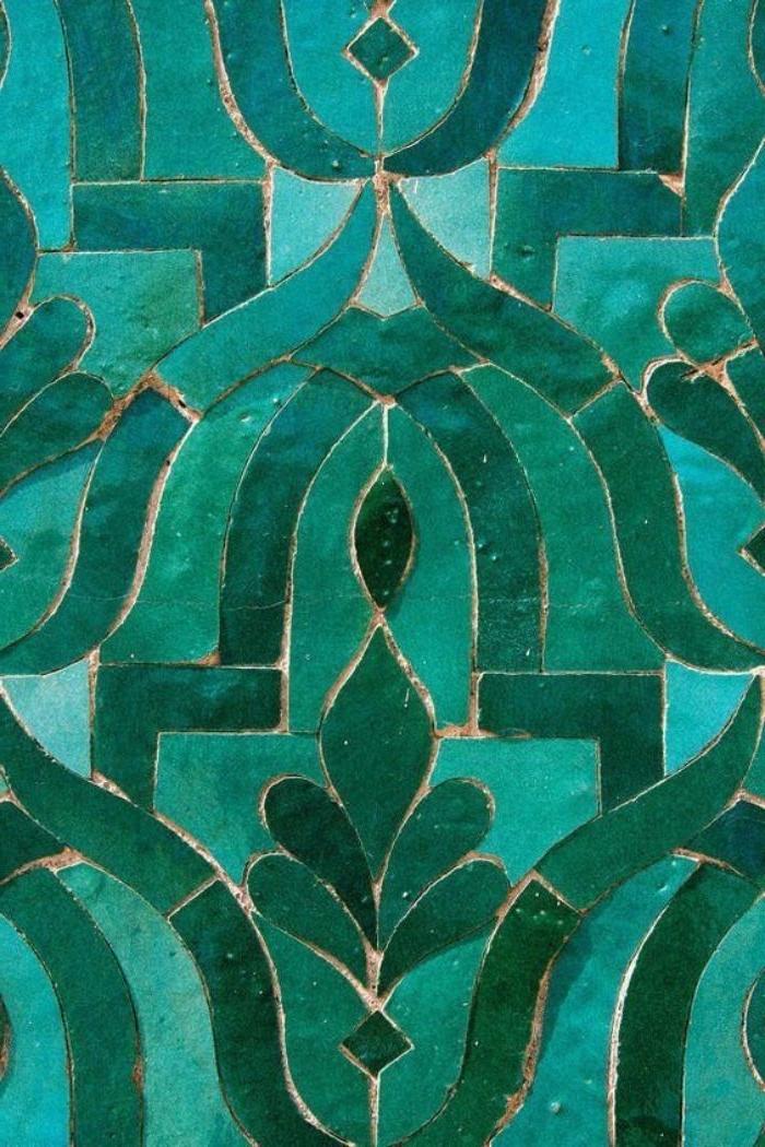 farbe petrol in der architektur dekor, arabesken in türkis und petrol, glas dekorationen